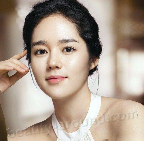 Han Ga In  South Korean actress photo