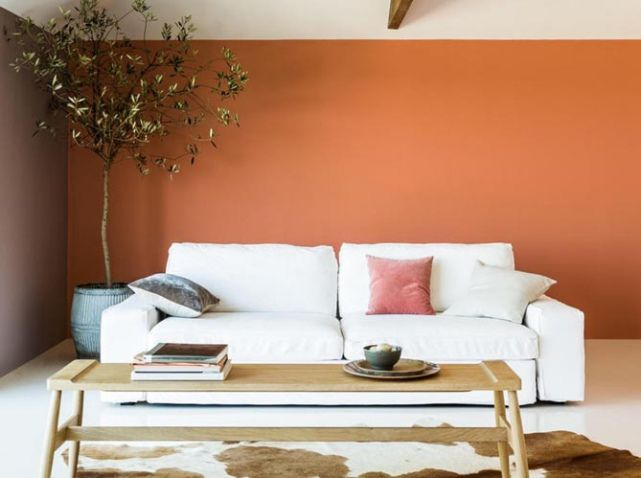 Mur orange salon d co living pinterest minimal for Peinture tendance pour salon