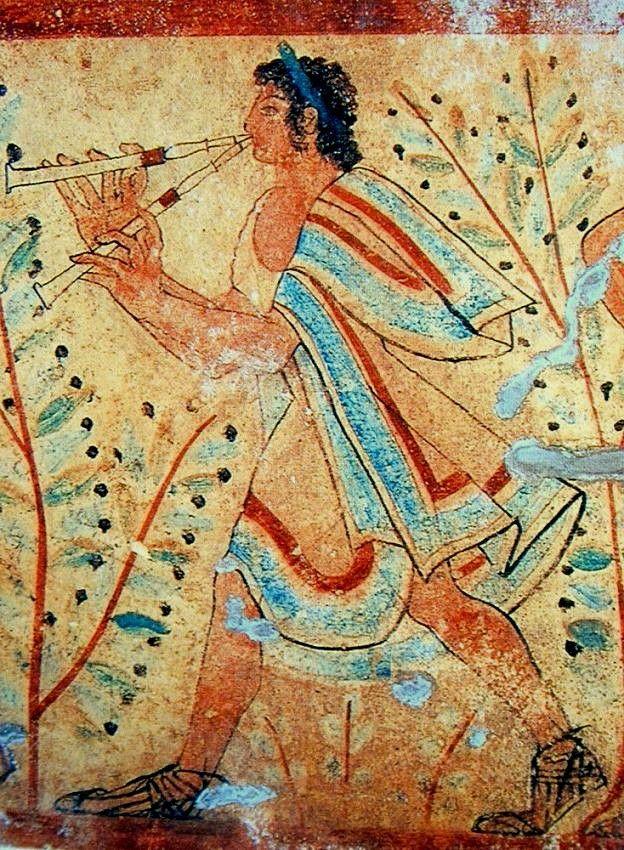 Las pinturas etruscas que han llegado a los tiempos modernos son, en su mayor parte, frescos murales de tumbas, y principalmente de Tarquinia. Tiene una notable importancia no tanto por el nivel artístico alcanzado, sino por el hecho de que se trata del más destacado ejemplo de arte figurativo prerromano en Italia. Se ha relacionado con las culturas del Mediterráneo oriental.