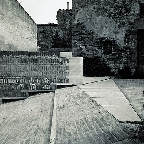 MAP ARQUITECTES _ Ullastret by mateoarquitectura, via Flickr