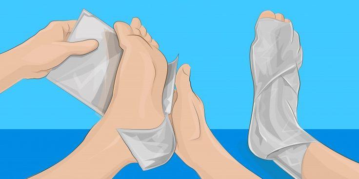 Enrole seus pés em algumas camadas de papel alumínio e espere 1 hora. Você…