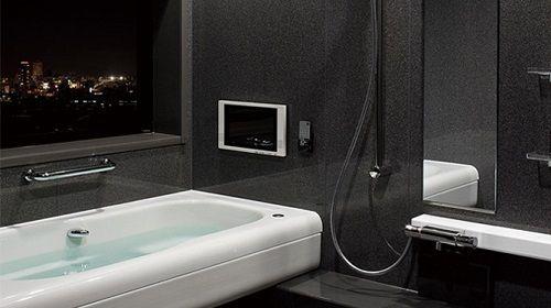 ユニットバスSTORYストーリー 浴槽があまり高くなくテレビが付いていて未来的だと思いました