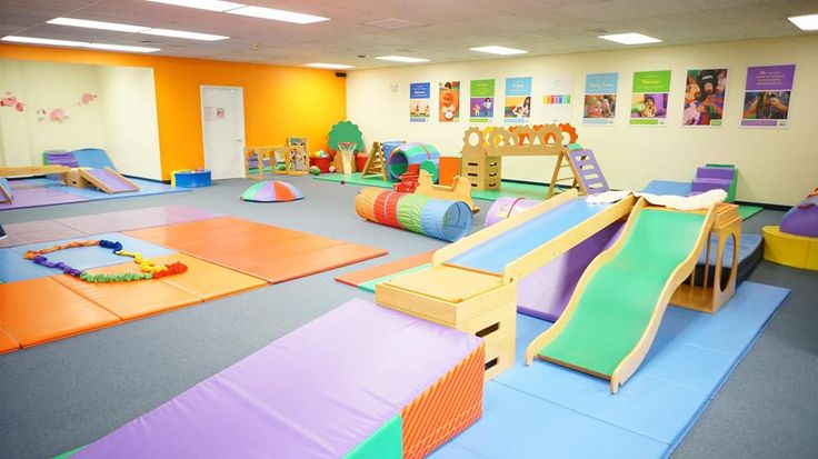 Wish I had a room like this for my babies in my house lol  (gymboree classes)