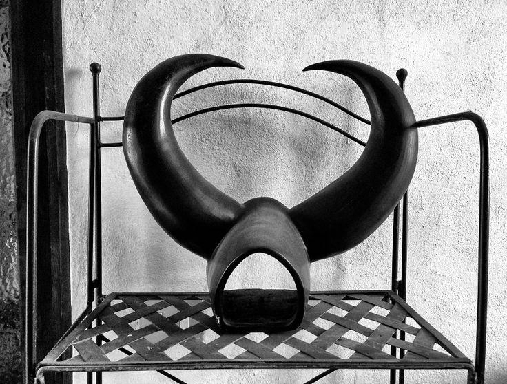 Daniela Rigogliosi Raku Buffalo pottery Bucchero
