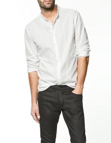 Camisas entalladas fuera del pantalón