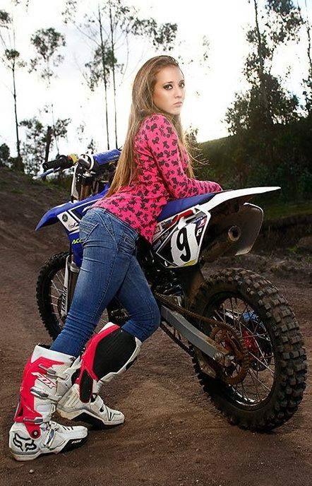 Mädchen nackt Heiße Schlampen, Dirtbikes