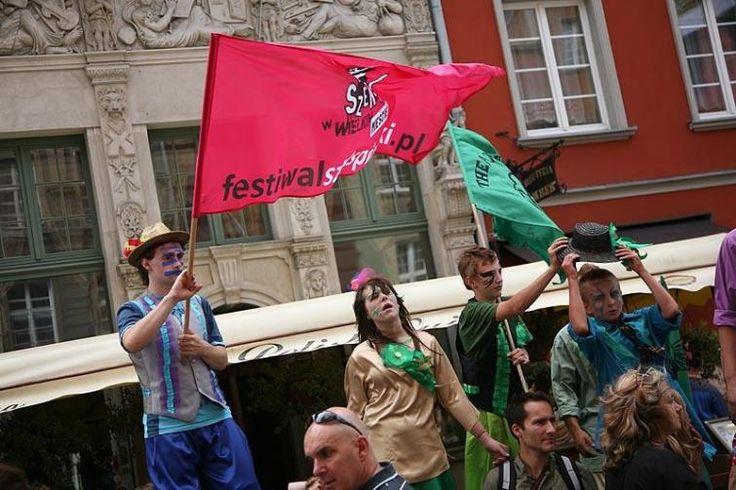 Festiwal Szekspirowski jest jednym z najważniejszych festiwali teatralnych w Europie. To wydarzenie międzynarodowe, łączące prezentacje spektakli z całego świata z działaniami artystycznymi, warsztatami, spotkaniami z twórcami.