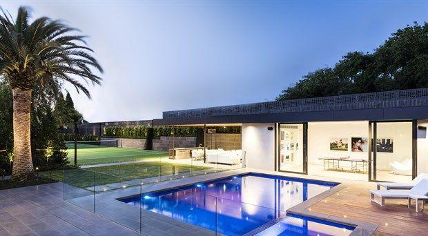 WINNER: Residential Landscape Construction $150,000 - $300,000