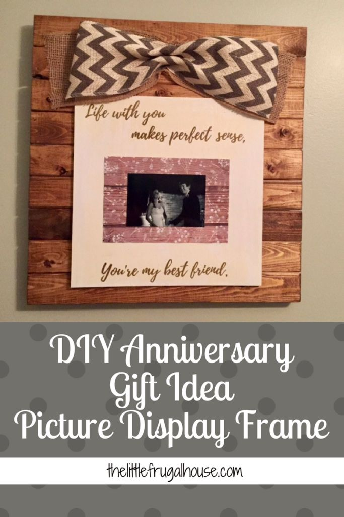 A simple DIY Anniversary Gift idea using a Cricut machine and vinyl, wood, paint, and a photo! Completely customizable and such a sweet gift idea!