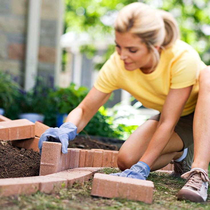 How To Plant A Curved Brick Flowerbed Border Garden 400 x 300