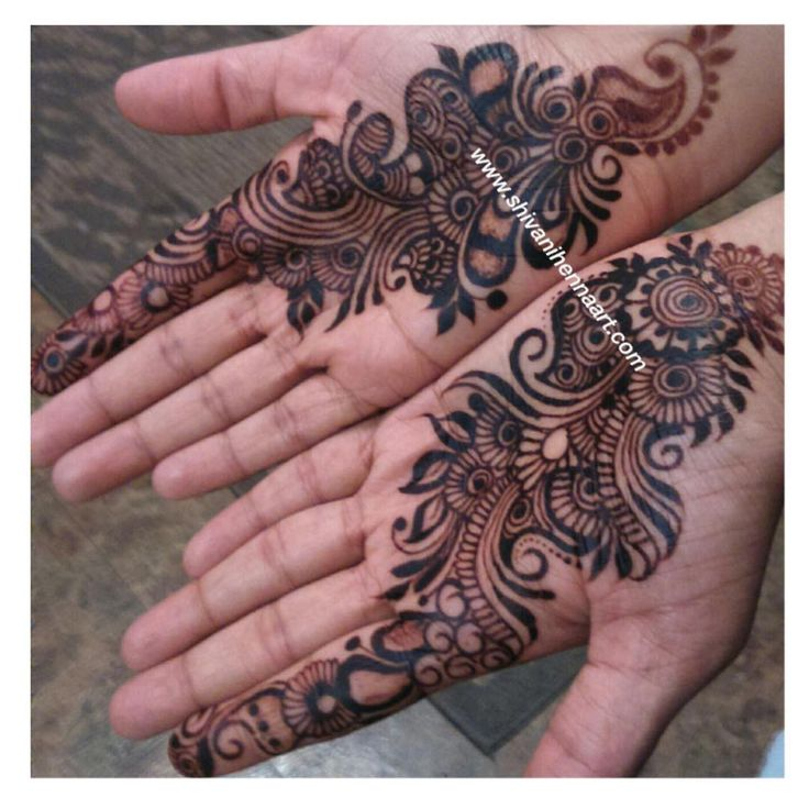 """""""Matured stain. Henna with style and passion !! For the booking questions, please email us on ✉️shivanihennaart@gmail.com  www.shivanihennaart.com #henna…"""""""
