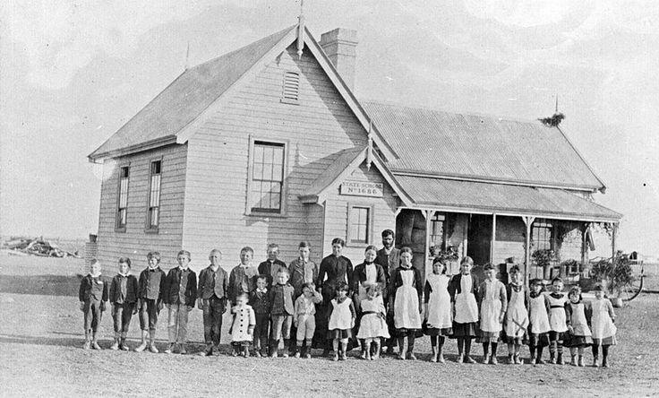 Teachers & Pupils in front ofLallat PlainsState School No.1686, circa 1895 - Museum Victoria