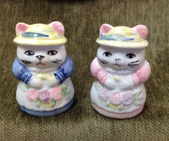 Vintage kat Salt and Pepper Shakers verkleed door BullfrogHollow