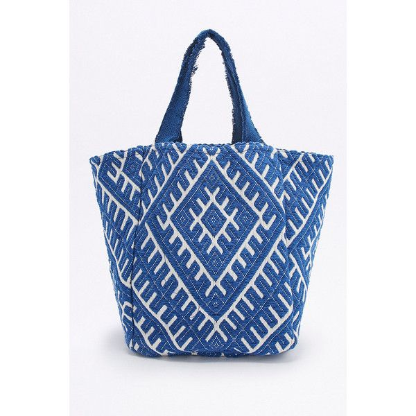 Frayed Handle Geo Blue and White Beach Tote Bag (18 CHF) ❤ liked on Polyvore featuring bags, handbags, tote bags, blue, embroidered totes, beach tote, beach bag, fancy purses and blue and white handbag
