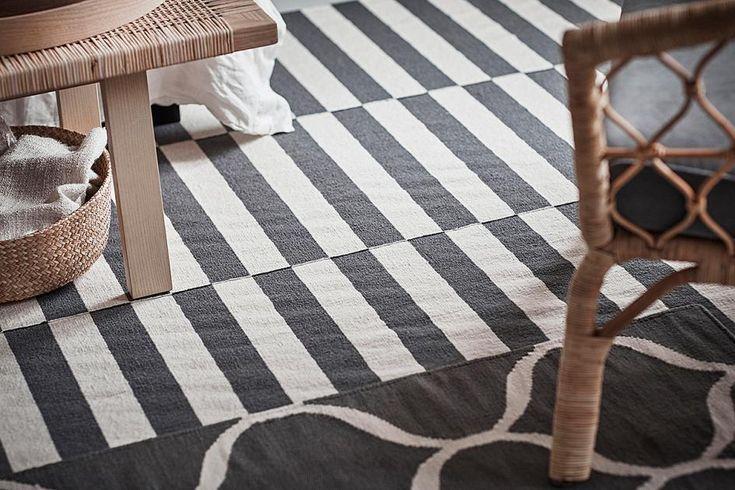 """Blockstreifen, Zwiebelmuster, Fischgrät - die """"Stockholm""""-Teppiche kommen mit klassischen Mustern und natürlichen Materialien auf den Boden. Die einzelnen Stücke sind von Hand gewebt und aus natürlicher Wolle. Ab ca. 179 Euro."""