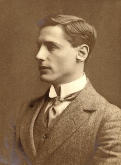 Edwardian Man Photos 3 edwardian men.  A finely turned-out fellow with impeccable collar and cravate.