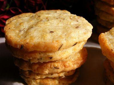 szeretetrehangoltan: Füstölt sajtos-köményes keksz