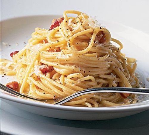 spaghetti carbonara- mix egg with 50 ml cream and 50g hard cheese, boil spaghetti , fry pancetta with garlic, turn off heat on spag and bacon, spoon spag into bacon pan and pour egg mix in mixing quickly - done