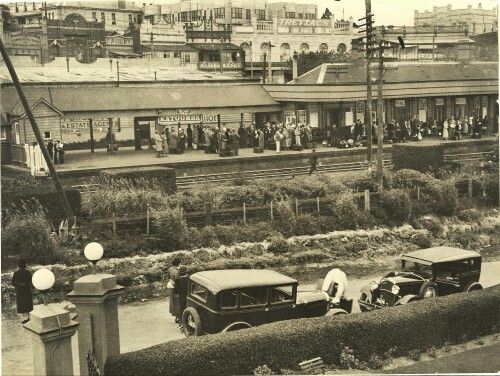 Katoomba Railway Station, NSW in the 1930's.v@e