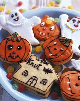 Bunte Halloween-Plätzchen mit Nougat - Rezepte - [LIVING AT HOME]
