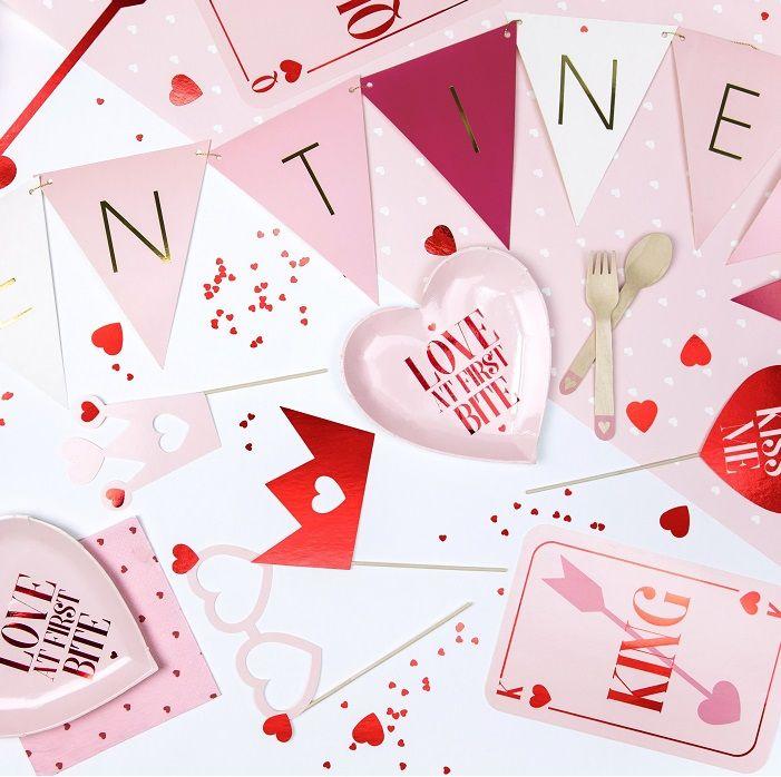 Girlanda Na Walentynki Valentines Flagietki Mix 2 1 M Valentines Flower Quotes Valentine