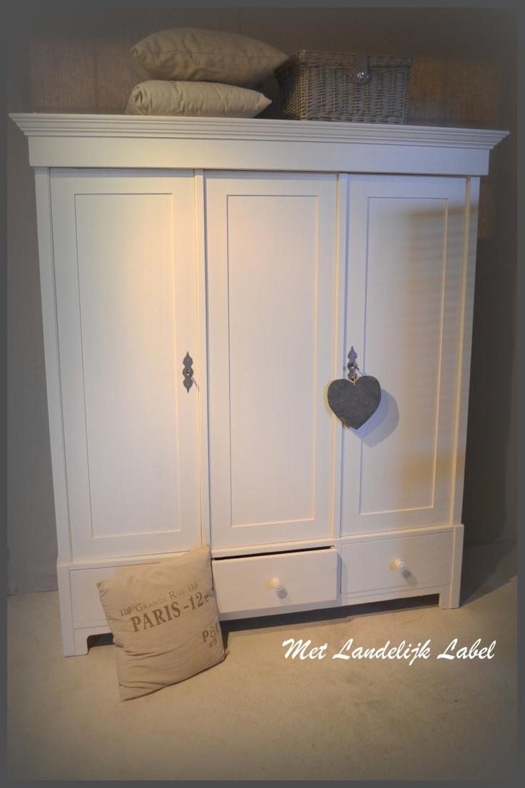 17 beste idee n over oude meubels schilderen op pinterest verf slaapkamermeubilair oude - Landelijke badkamer meubels ...