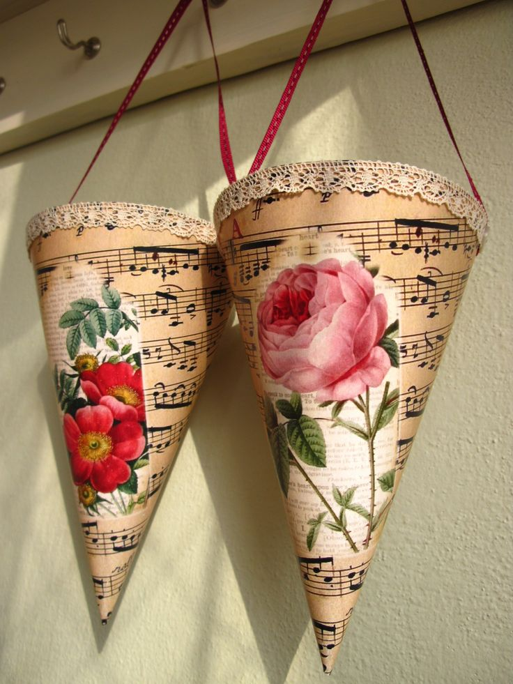 Cornets with rose