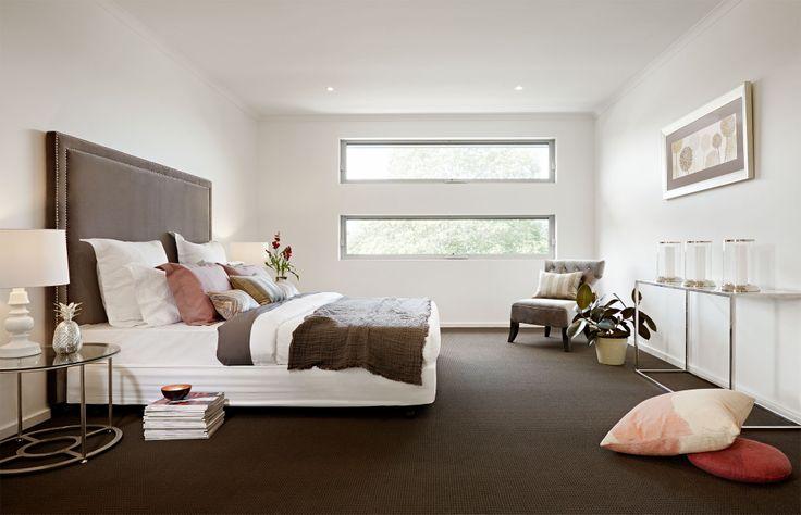 Hudson 31 master suite.
