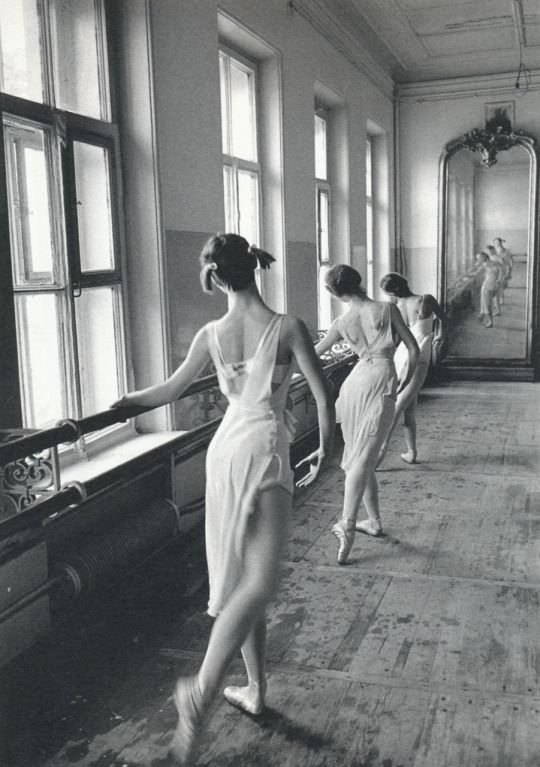 Bolshoi Ballet School, Moscow, 1958. Photo: Cornell Capa/Magnum Photos
