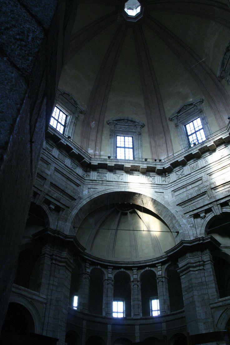 Interno di San Lorenzo Maggiore a Milano. Porta Ticinese.