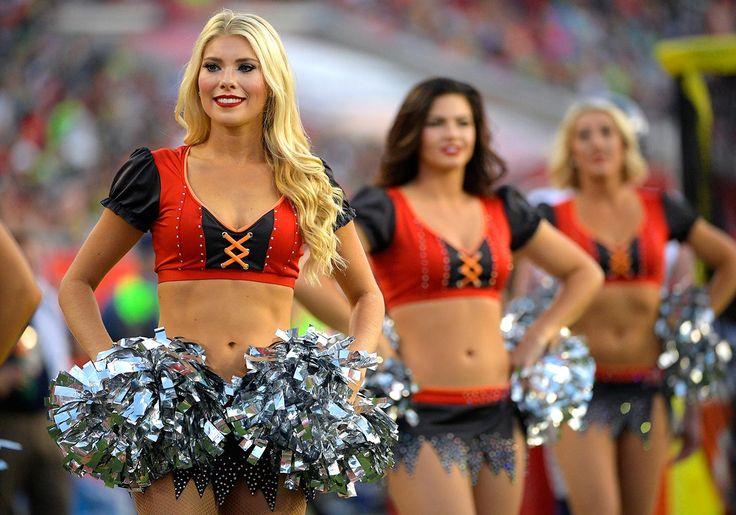 NFL Cheerleaders: Week 12