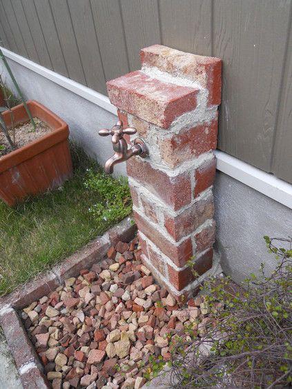 ROOM+CAFEの建物の外部にある立水栓、ごく普通のよくあるタイプのやつでした。 建築当初から、なんとかしないと・・・と思い続けてきましたが、よう...