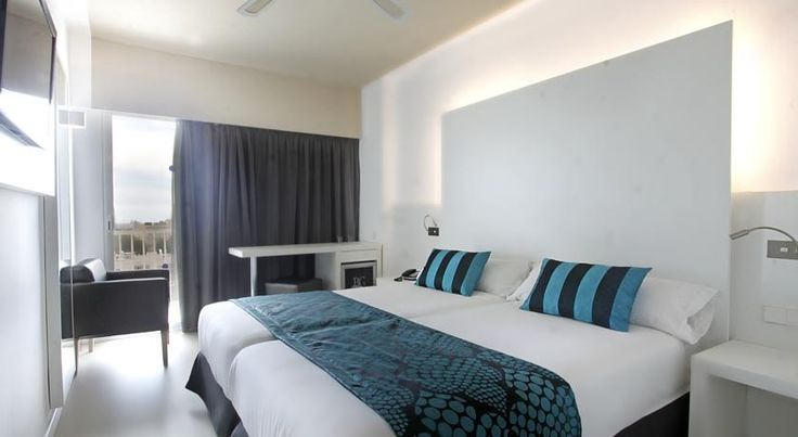 Hotel Caballero Playa de Palma Situated just a short walk from the long, expansive, sandy beach, the Hotel Caballero is well equipped for a fun-filled family holiday in the sunshine and on the beach.  This modern hotel boasts an on-site restaurant.