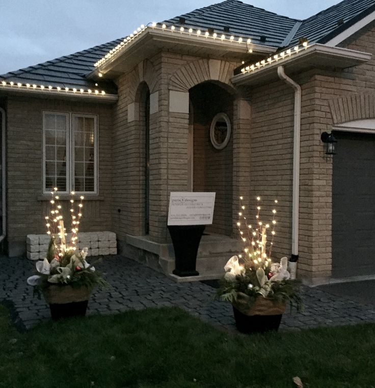 Planters complete with embellishments and battery operated LED lighting to make them really stand out! #paris8_can_decor8 #Christmas planters #LED lighting