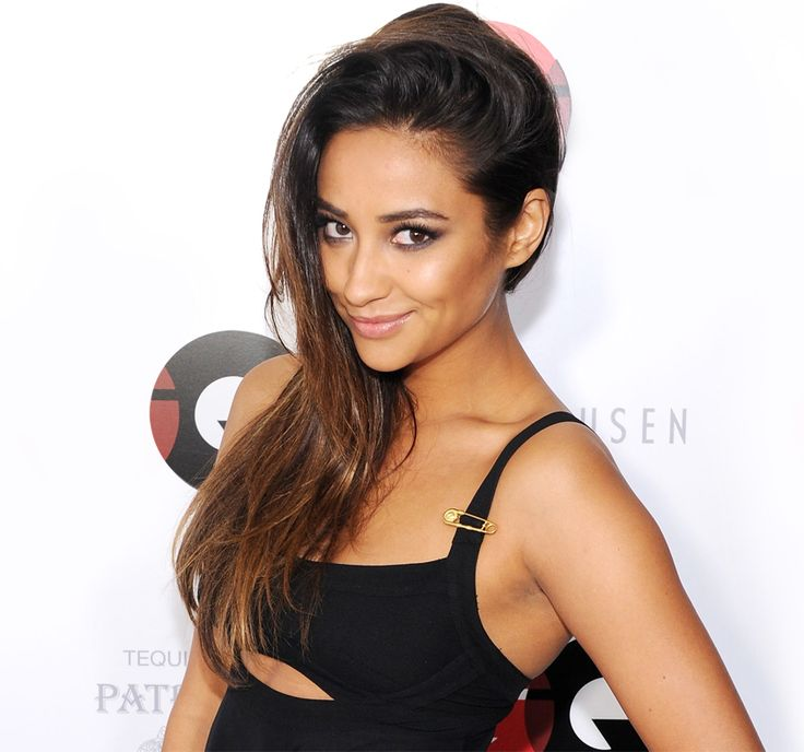 Shay Mitchell teaches us how to have summertime hair all year round