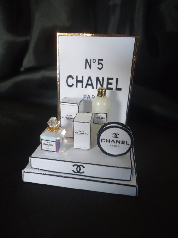 "Shopdisplay ""Chanel"" 1/12th scale"