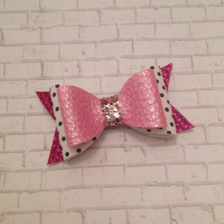 Pink and Gold Bow, Leather Bow, Glitter Bow, Hair Bow, Baby Headband, Toddler Hair Clip, Girls Hair Accessories, Baby Bow, Toddler Bow, by BabyBearHandmadeB on Etsy https://www.etsy.com/ca/listing/586045265/pink-and-gold-bow-leather-bow-glitter