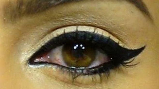 Çekici Kedi Gözü Makyajı Yapımı - Özel günler yada gece için uygulayabileceğiniz çekici kedi gözü makyajı tekniği (Camila Coelho Makeup Video)