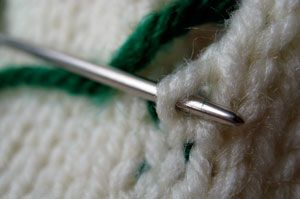 vertical-woven-seam-up-through-right-loop-knit-knitting