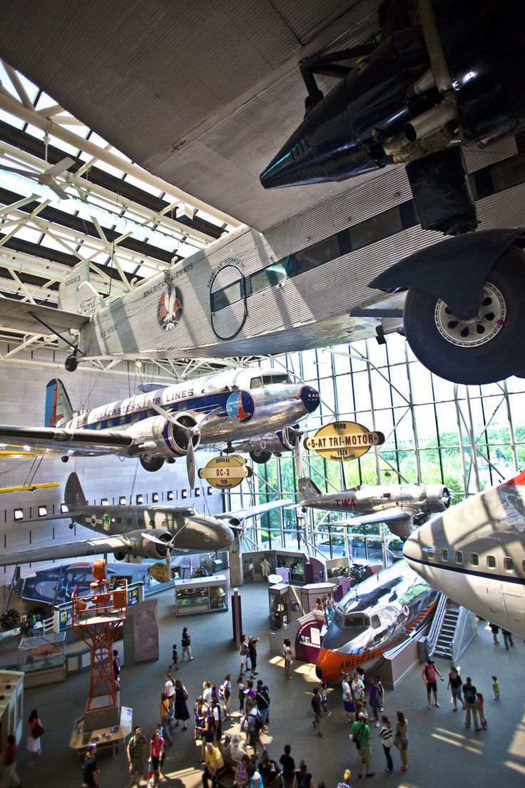 Smithsonian's National Air and Space Museum in Washington, D. C. | Community Post: 22 Destinations Science Nerds Need To See Before They Die