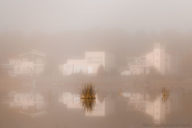 https://flic.kr/p/zpfD1y   Houses by the water   Nothing moves, ever.