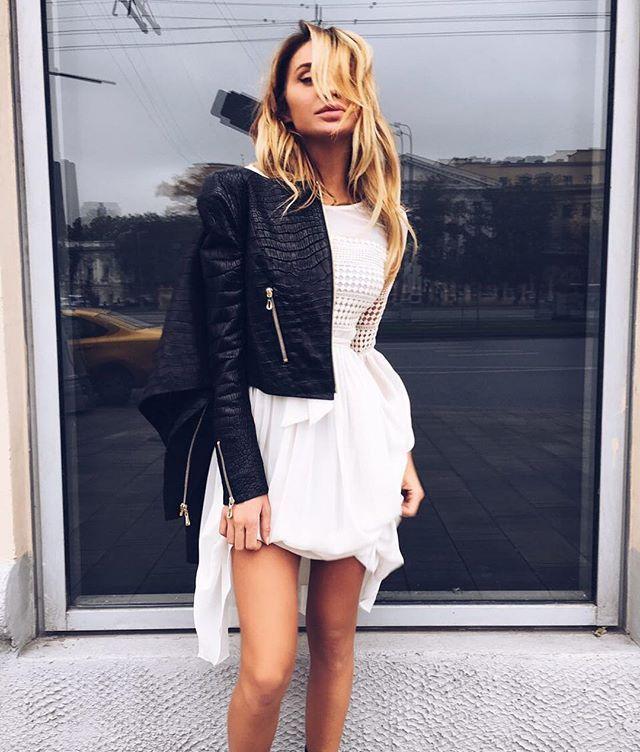 На @innochii платье, такое есть ещё в винном цвете🍷  Куртка из натуральной кожи крокодила🐊 +7985475-4444 вотсап Ленинградский проспект 26с1👣🛍