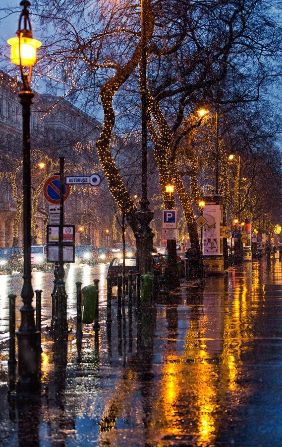 Rainy day on Andrássy street. Romance is in the air!