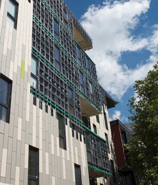 The latest development by Family Mosaic Housing Association anticipates future standards of thermal performance thanks to the innovative 'through the wall' building facade system designed and supplied by Knauf Facades.