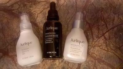 Τους τελευταίους τουλάχιστον 12 μήνες χρησιμοποιώ για πρώτη φορά προϊόντα της εταιρίας jurlique. Μια εταιρία με ποιοτικά προϊόντα, με ποιοτικά συστατικά και με μεγάλη φήμη.Σήμερα θα σου γράψω για τα