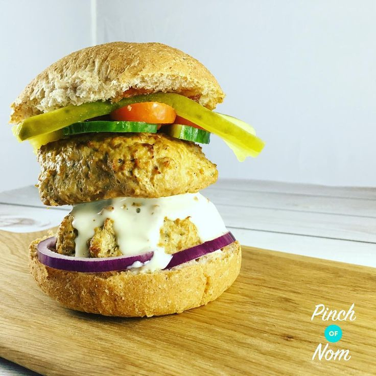 Syn Free Turkey Burgers | Slimming World - https://pinchofnom.com/recipes/syn-free-turkey-burgers/
