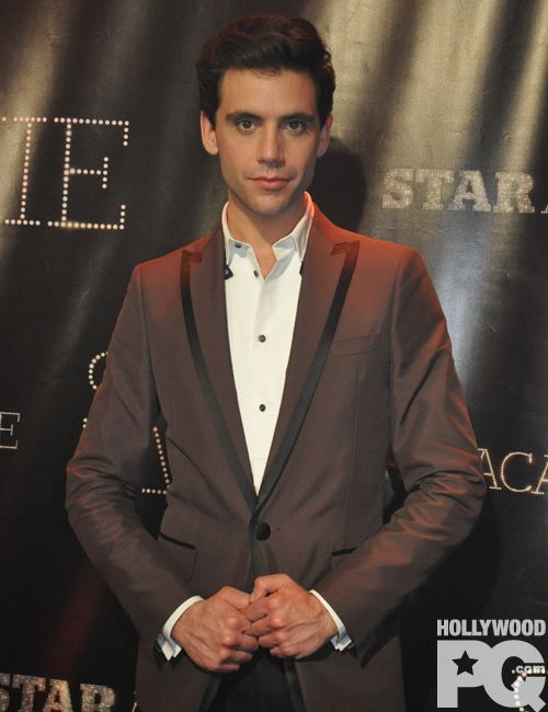 Mika at Star Academie. This man is perfect.