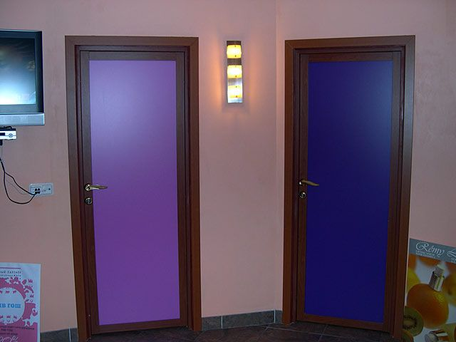 распашные двери цветные на заказ