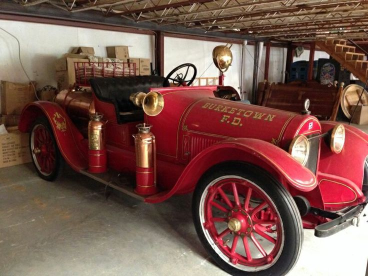 1923 chief's car