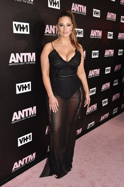 Ashley Graham Photos Photos - Model and ANTM Judge, Ashley Graham attends the VH1 America's Next Top Model premiere party at Vandal on December 8, 2016 in New York City. - VH1 'America's Next Top Model' Premiere Party